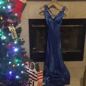 XS 0 Royal Blue Formal Dress